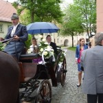 Nicole und Danny in der Hochzeitskutsche