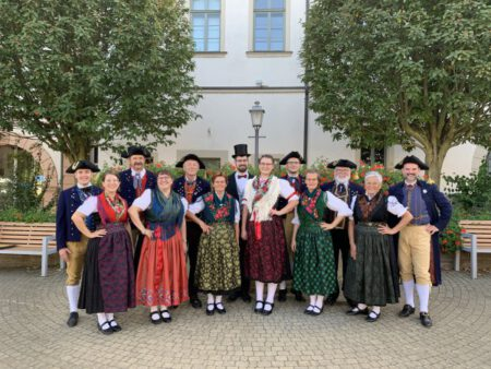 Foto O.Brust, Archiv Heimatverein: Auftritt bei der Willkommenstour des Landkreises Schweinfurt am 19.09.2020